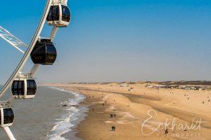 Reuzenrad en het strand