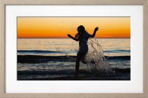Fotolijst spelen bij zonsondergang
