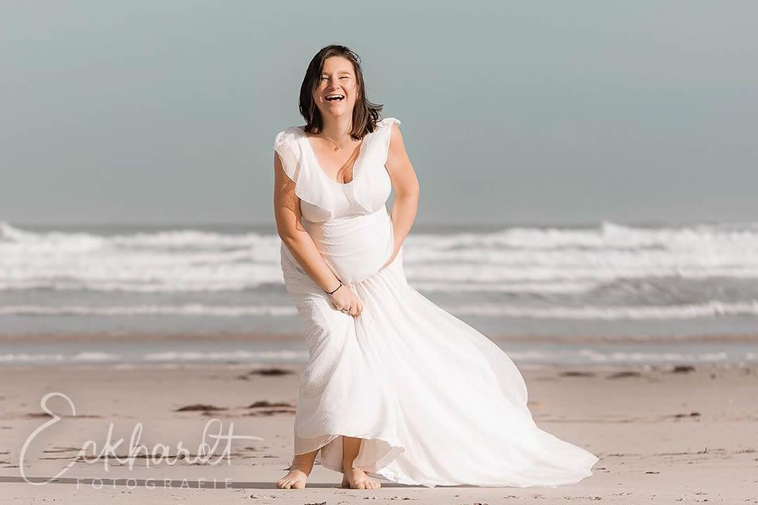 Lifestyle zwangerschapsshoot op het strand